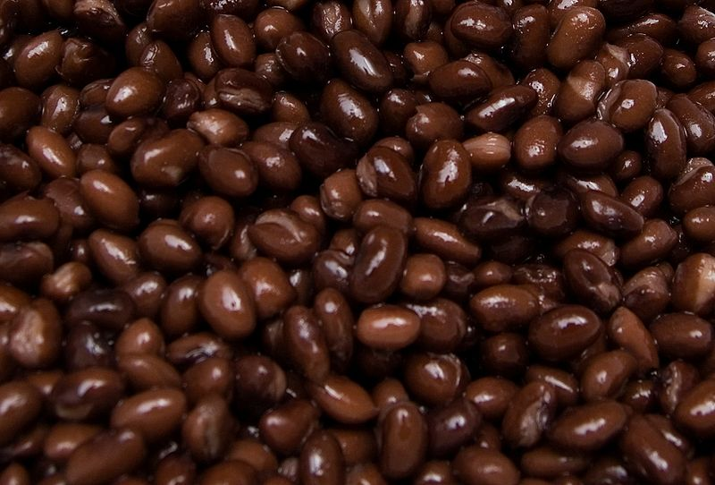 800px-Black_beans